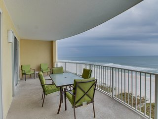 Beachfront resort condo with shared pool and hot tub!