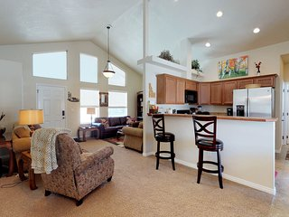 Warm cozy lodge features central location by skiing, golfing, lake, & more!