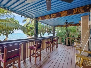 TURTLE BEACH-FANTASTIC ON THE BEACH LOBSTER STUDIO; Full Kitchen, Amazing Deck