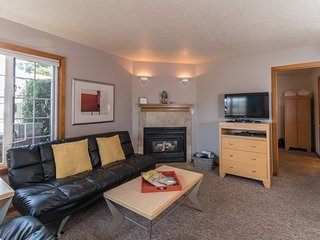 Welcoming, dog-friendly home with close beach access near downtown!