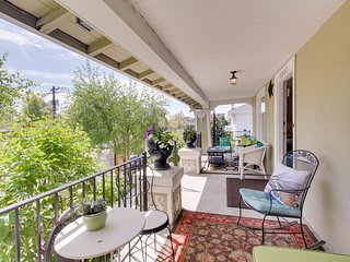 Charming getaway with porch and an amazingly central location