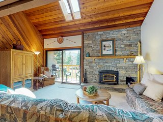 Snowcreek Village townhome with shared hot tubs and more!