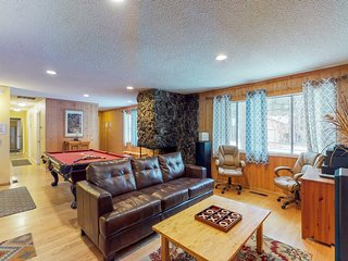 NEW LISTING! Spacious cabin near hiking trails, lake & skiing