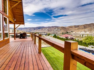 Dog-friendly lodge w/ water & mountain views plus private hot tub & shared pool