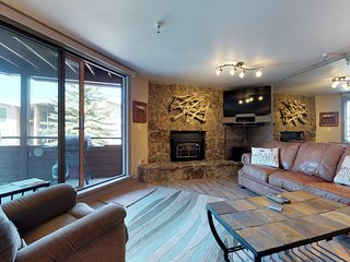 NEW LISTING! Waterfront condo w/lake view, shared hot tub, & sauna - near slopes