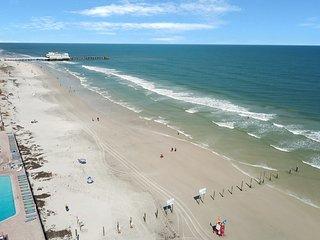 NEW LISTING! Oceanfront studio w/Atlantic views & shared beachfront pool