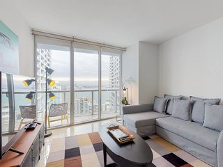 Dog-friendly, bayview condo in the heart of Brickell w/ shared pool & hot tub!
