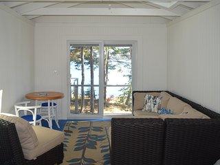 NEW LISTING! Charming oceanfront studio w/deck & dock in Linekin Bay Resort