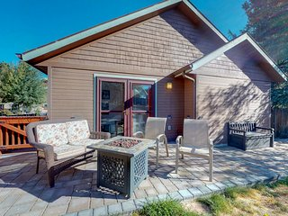 NEW LISTING! Cozy cabin for two with private hot tub and central location