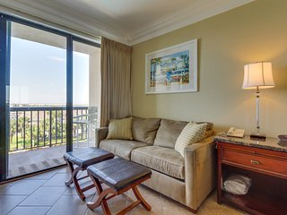 Cozy studio with water views & shared pools in a great location!