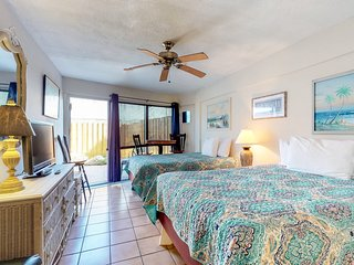 NEW LISTING! Convenient condo w/ patio & shared pool, complex on the beach!
