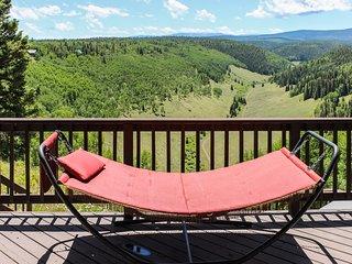Mountain home w/hot tub, breathtaking views, near hiking & fishing