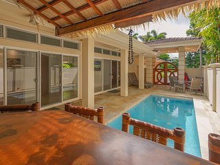 NEW LISTING! Beautiful home w/ dipping pool, nice location near golf & beach