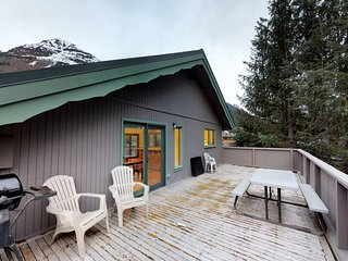 Convenient slope-side retreat, a short walk from lifts, the bike path, and more!