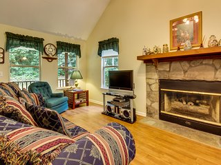 Dog-friendly, creekside cabin with private hot tub, Jacuzzi, & wooded view