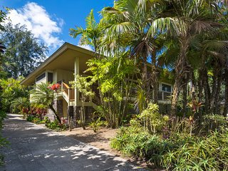 NEW LISTING! Oceanfront house w/ easy beach access just across the street!