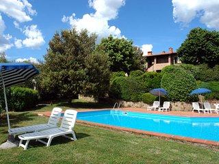 2 bedroom Apartment in Varna, Tuscany, Italy - 5743823