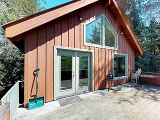 Walk to lifts from this chalet with views and spacious deck