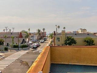 NEW LISTING! Spacious home w/rooftop deck & partial ocean view - close to beach