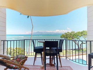 Oceanfront condo w/ shared pool & spectacular views from private lanai!