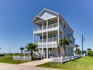 Seaside Haven - Stylish Retreat w/Ocean Views, Near Town, 2 Blocks to Beach