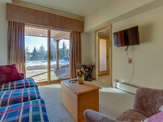Ground level lock-off studio close to town & Dillon Reservoir!