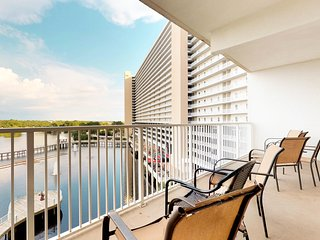 Spacious, waterfront condo w/ a lake view, balcony, shared pool, & hot tub!