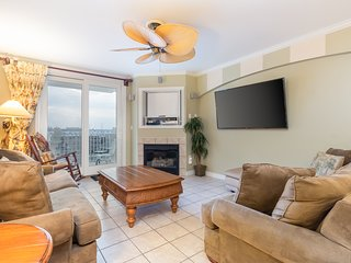 NEW LISTING! Ocean view condo w/balcony & shared indoor pool- 1/2 block to beach
