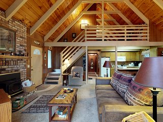 Beautiful cabin with large deck and wrap-around deck, near hiking and skiing!