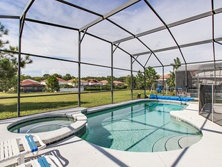 Private pool, great for kids, 12 miles to Disney! Dogs OK, snowbirds welcome!