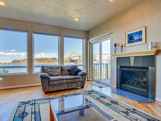 Walk to Oregon Coast Aquarium from this modern, dog-friendly, oceanview home!