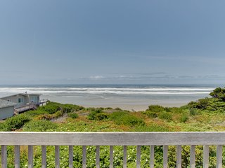 Oceanfront home w/ hot tub, ocean views & private beach access - dogs OK -2 max