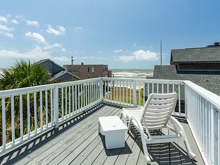 Dog-friendly oceanfront house with amazing views and easy beach access