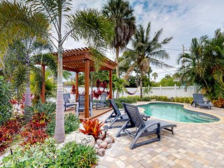 Cheerful home w/ private pool & garden terrace - 1 block to the beach!