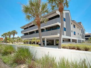 Seaside, family-friendly condo with shared pool and prime location!