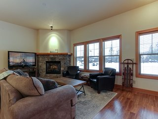 Charming condo w/ lake access & great location close to skiing & Silverwood