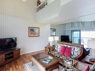 Two-story condo w/ ocean & mountain views, shared hot tub & pool!