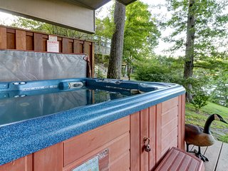 Dog-friendly lakefront home w/ hot tub, dock, shared tennis - near the slopes!