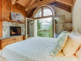 Dog-friendly woodland cabin just a short drive from skiing!