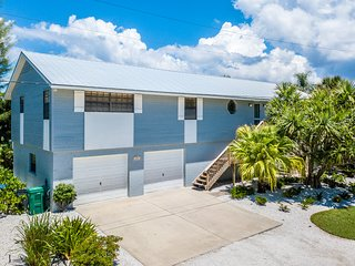 Casual, relaxing island home w/ a private pool - walk to dining & the beach!