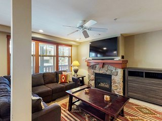 Cozy ski-in/out condo w/ Club Solitude access - shared hot tub, pool & more!