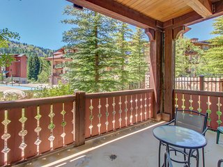 Ski-in/ski-out condo with a deck, ski views & a shared pool and hot tub!