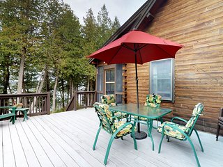 NEW LISTING! Lakefront cabin w/ amazing views, outdoor firepit, and big deck