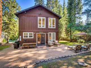 Family-friendly North Lake Tahoe home with huge yard and walk to shore