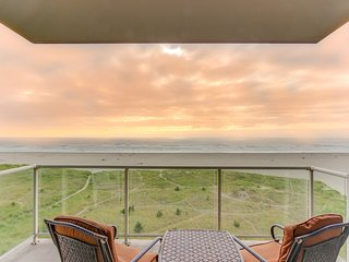 Oceanfront Sand & Sea condo w/ 5th floor views, pool & sauna-Newly Updated!