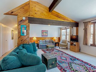 NEW LISTING! Rustic condo w/shared hot tub/pool, great location near ski resorts