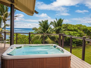 Beachfront estate with private hot tub - allows weddings/events!