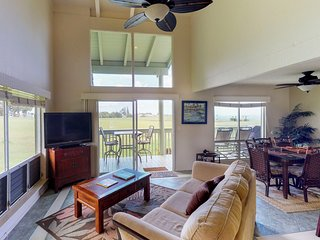 NEW LISTING! Beautiful condo w/golf, shared pool & ocean views - close to beach!
