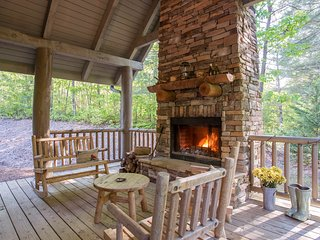 Gorgeous cabin w/ game room, huge decks, & water views - near hiking & fishing!
