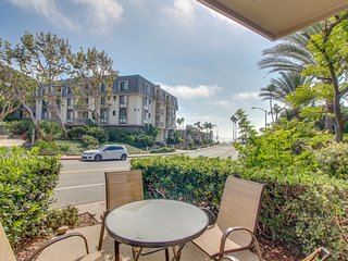 Ground floor condo with shared pool, sauna & hot tub steps from the beach